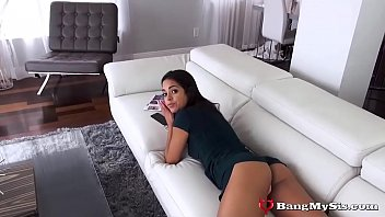 defloration Gorgeous Stepsis Vienna Black Gives Sexual Favors To Big Brother
