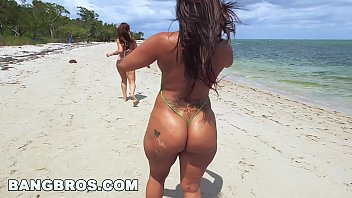 Asstastic Day At The Beach with Spicy J and Miss Raquel &lparap15087&rpar