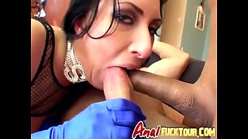 bearfront Cock hungry brte slut gets her ass and wet pussy fucked hard at same time