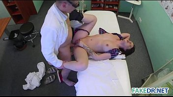uporn Skin examination on a hot babe in the fake hospital