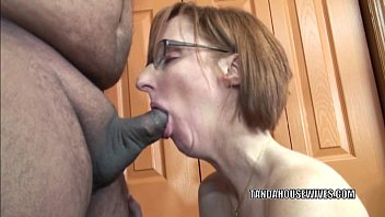 younizz Horny housewife Layla Redd is blowing a dude she just met