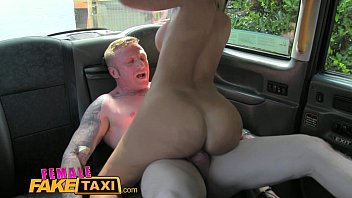 pinaysexscandal Female Fake Taxi Driver takes a facial for a fare