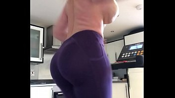 mypornsnap com Get behind my 47 inch big phat ass make that booty bounce - TheCamStars