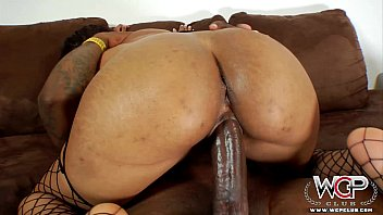 sextag WCPClub Cali Sweets loves riding a BBC with her big ass