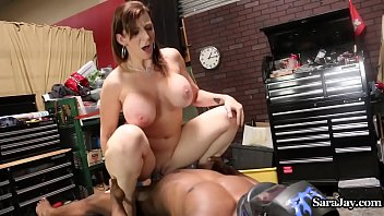 pornjam Sara Jay Fucks Her Mechanic in her Garage