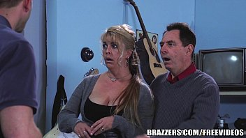 arabysex Brazzers - Chloe Addison gives everyone a free show