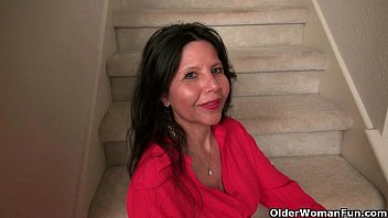 barbarasexappel American milf April White teases her nyloned pussy