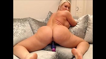 titanmen Home alone big ass milf works that ass and fills her holes - TheXXXCam