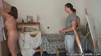 24xxx Old granny pleases two young painters