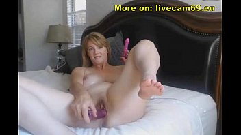 xxvideo Elegant MILF Masturbate while Husband is Out &lparnew&rpar