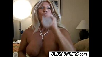 freakyfunkynasty Roxy is a horny cougar who loves to fuck younger guys