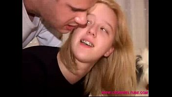 suceuse Teen Babe gets her Birthday Present - WWWCROMWELTUBE