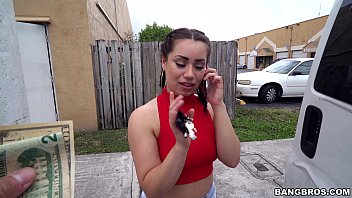 pornohu Scooping Up a Sexy Chonga with a Big Ass in Miamima FL &lparbb15113&rpar