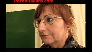 rapetube Studentessa e prof scopate dal bidello