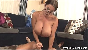 sexoro Hot Milf With Big Tits Handjob