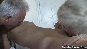 moviemo com She fucks with his parents when he left
