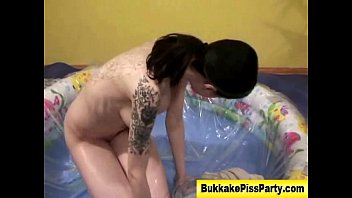 fuck com Fetish golden shower hoe gets soaked