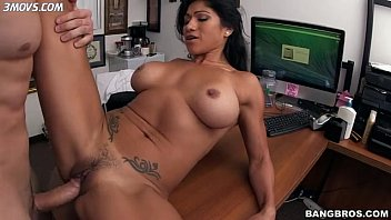 xxnx rivera-gets-her-trimmed-snatch-fucked-laying-on-the-table lq