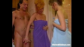 blowjobs Threesome Bathroom Fuck With Sexy Blonde Mature