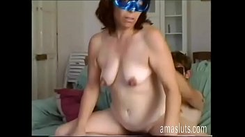 avgle Mature woman in mask fucks with younger