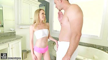 freporn Angel Smalls does footjob on her step-brother