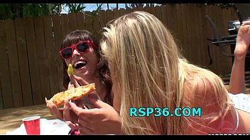 bazzer com Two teens get stunning surprize