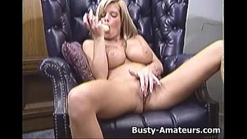 tpornhub Busty Tera playing her pussy on the couch