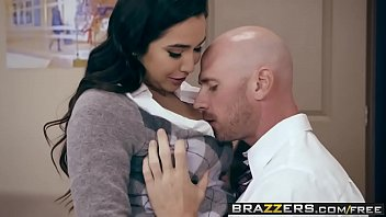 pornoclub Brazzers - Big Tits at School - No Bubblecum In The Classroom scene starring Karlee Grey and Johnny