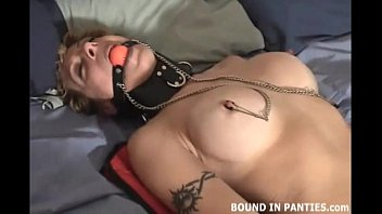 femmeofferte MILF Jesse hates her new pair of nipple clamps
