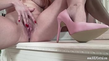 purnhub Milf wanks naked in just pink high heels