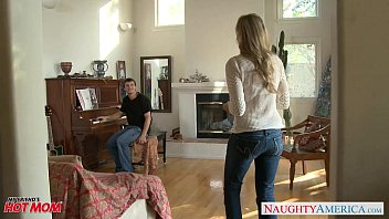 kagney MILF in sexy jeans Julia Ann gets nailed