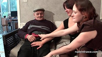 FFM Two french brte sharing an old man cock of Papy Voyeur