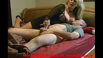 uporn my milf mom getting fucked