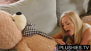 oodesi Blonde model Sicilia and Kira Queen sex with teddy bear&lbrackPart 1&rsqb
