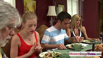 cybernenas Mamma watching hot stepdaughters facial