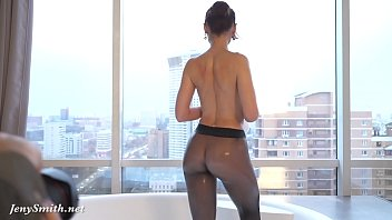 xhmastr Jeny Smith in wet pantyhose on her naked body in the bathroom